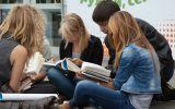 «Книжный флешмоб» прошёл в субботу у «Алмаза»