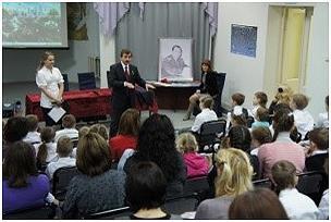 Череповецкие школьники встретились с космонавтом Александром Лазуткиным — в городе подвели итоги конкурса «Полет мечты».